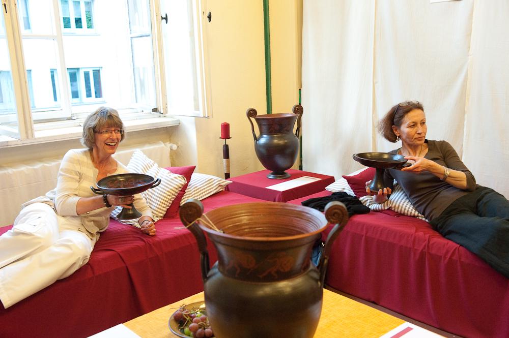 Achill - Besucherinnen auf Klinen